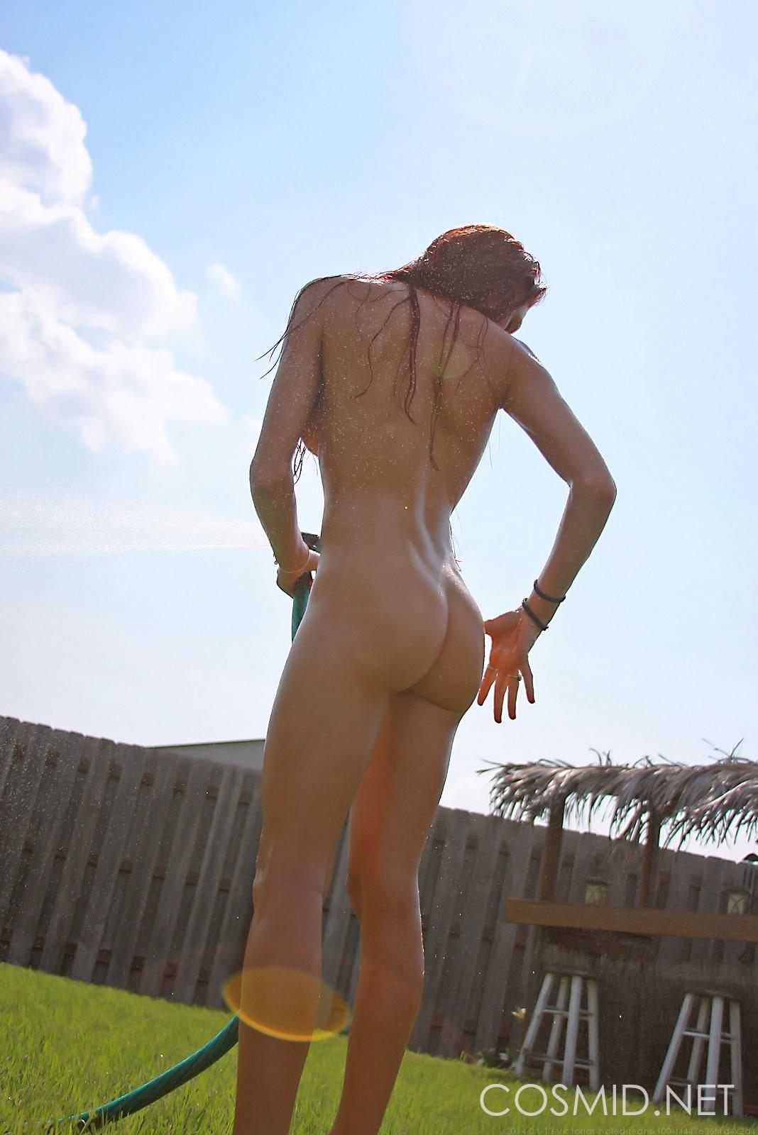 Naked wild on victoria