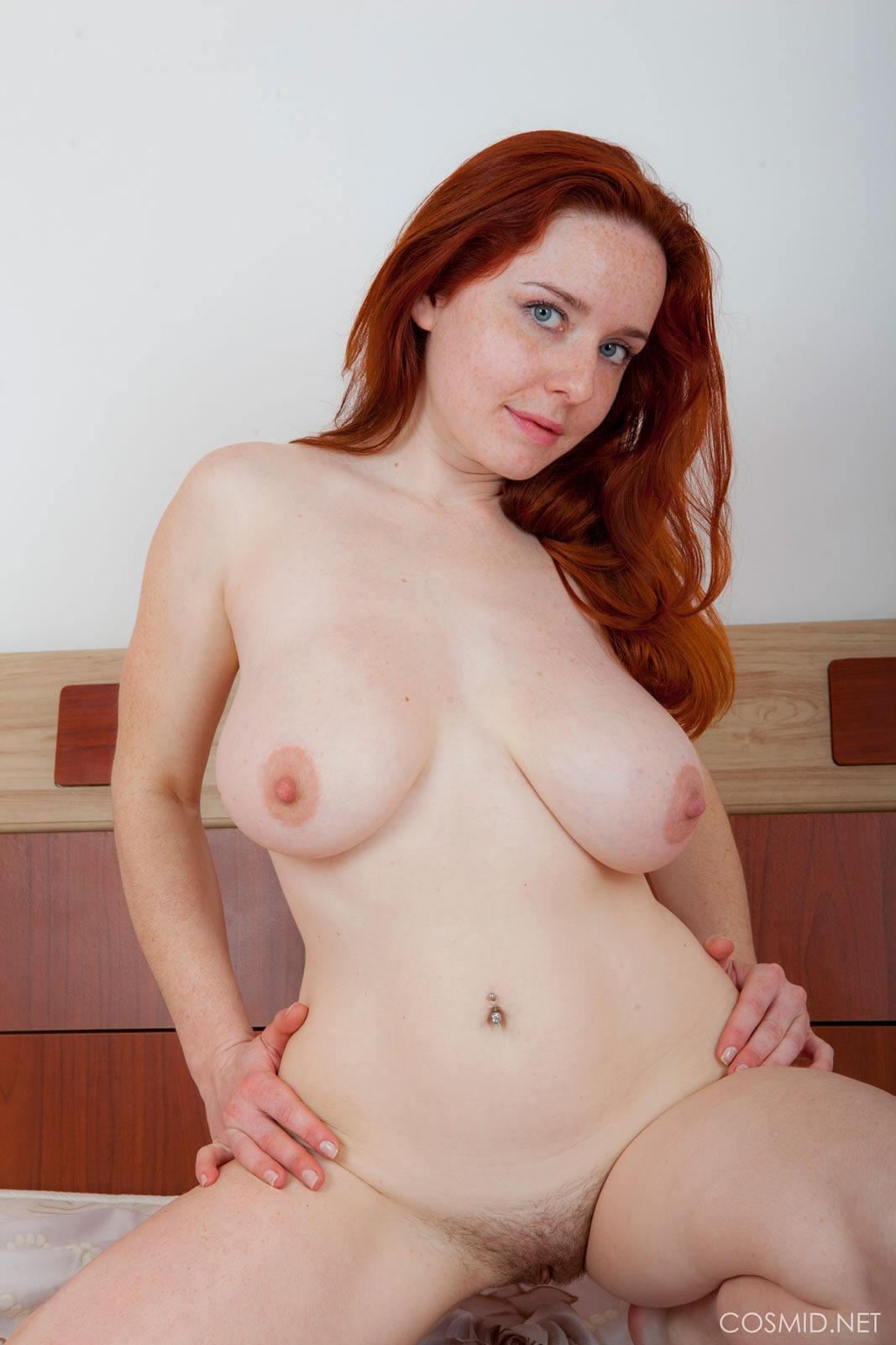 Curvy red head gives a nice sloppy blowjob 1