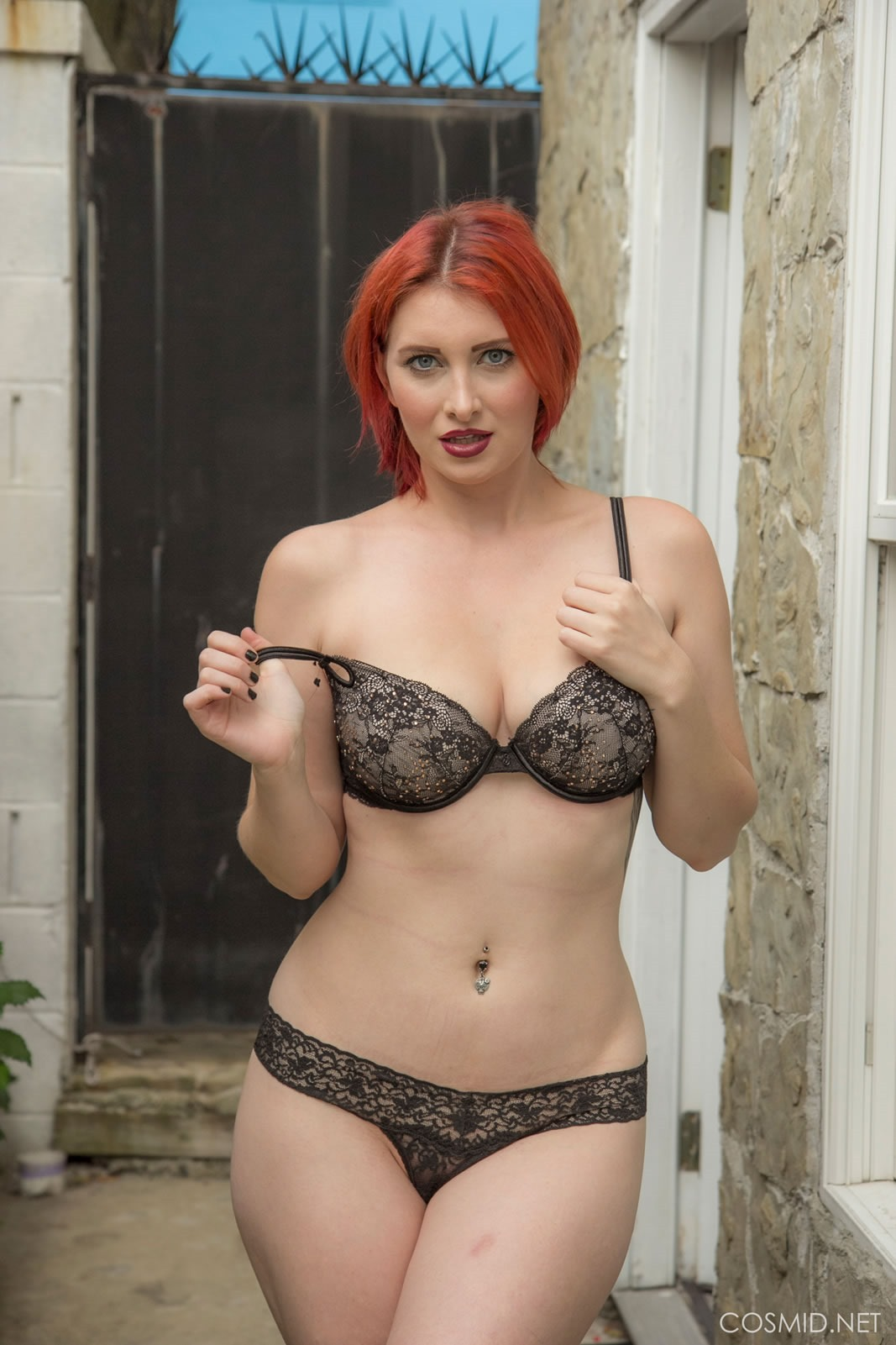 Sexmessenger stunning redhead shows off her perky tits 9