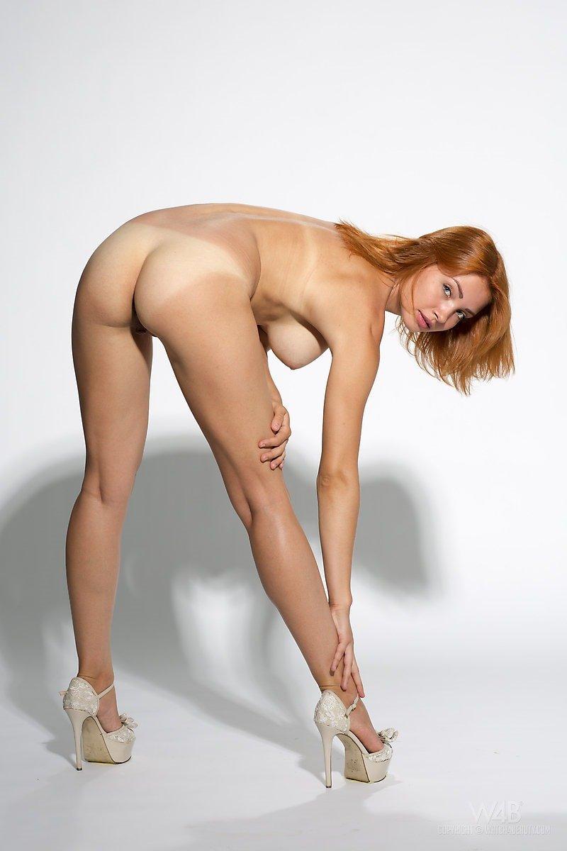 nude redhead tan lines